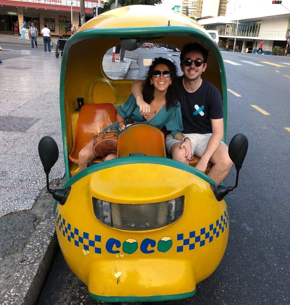 Como moverse por Cuba coco taxi
