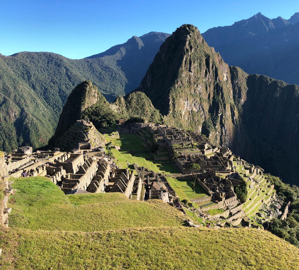 Vista general de Machu Pichu. Organizamos tu viaje a Perú u otro destino de tus sueños